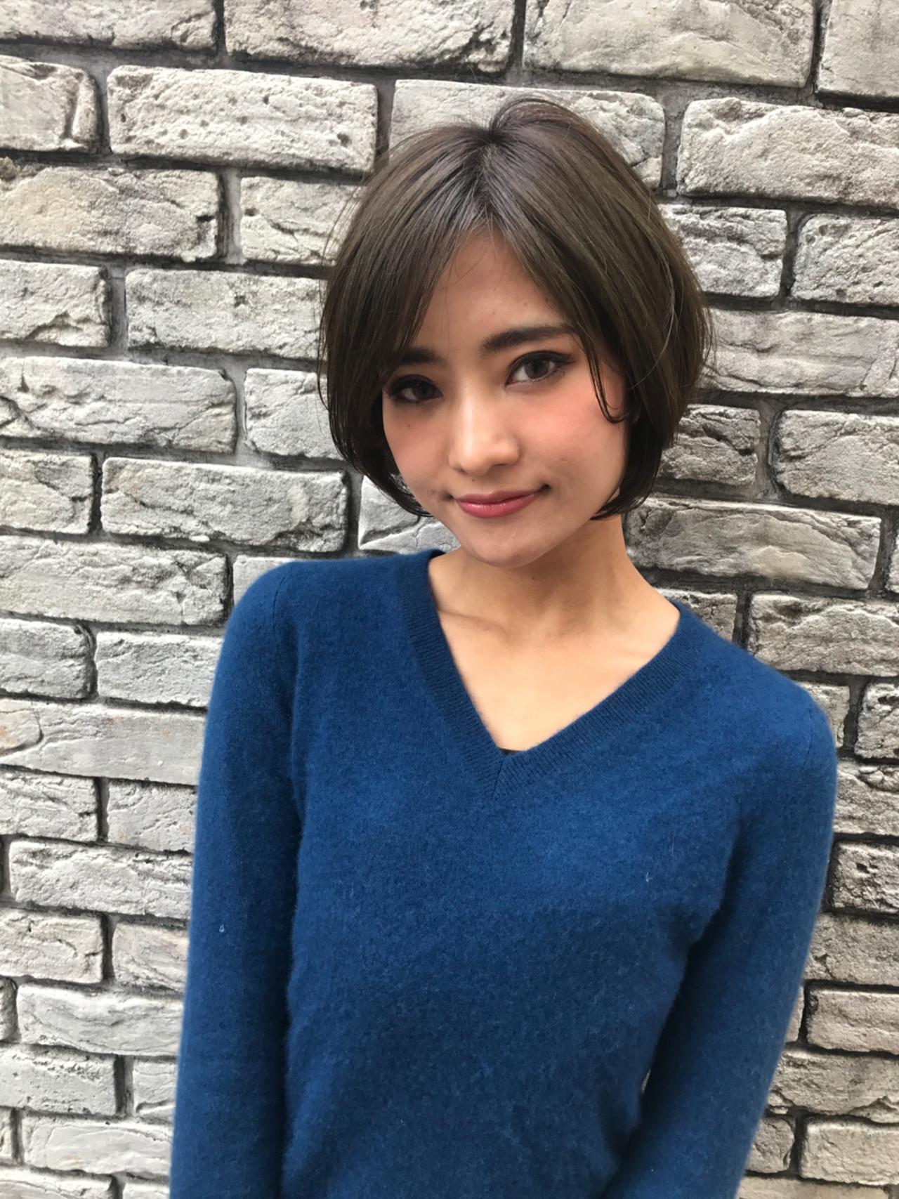 流し前髪で上品なキレイめスタイル 羽田ひろむ