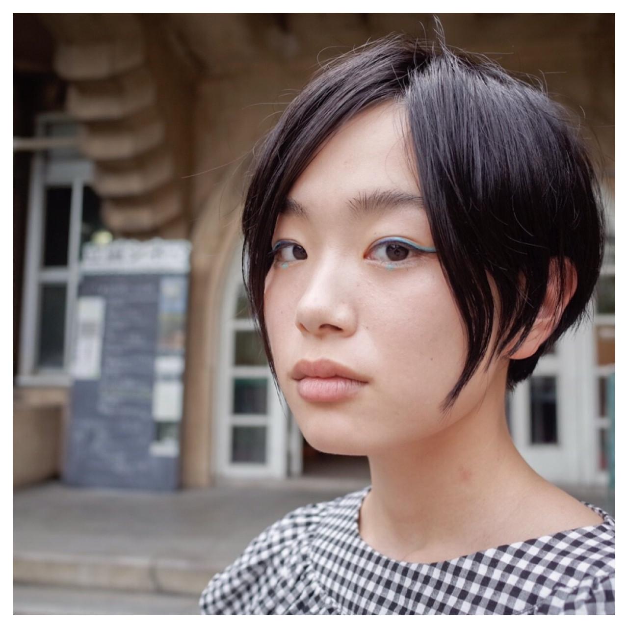 耳かけ 小顔 大人女子 アシメバング ヘアスタイルや髪型の写真・画像