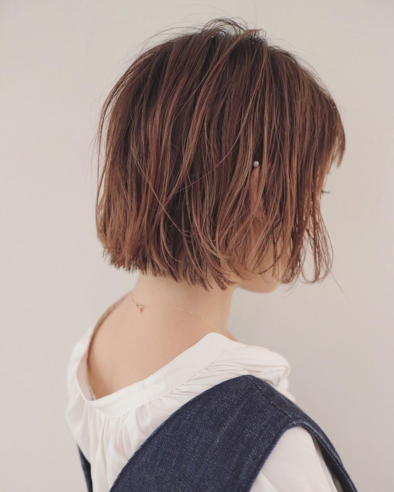 ブラントカットの涼しげな濡れ髪ボブ 三好 佳奈美