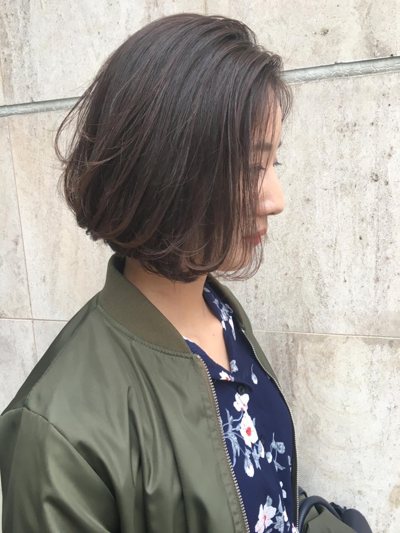 黒髪は必見!ミディアムの黒髪前下がりボブ♡ 日比野 恵理