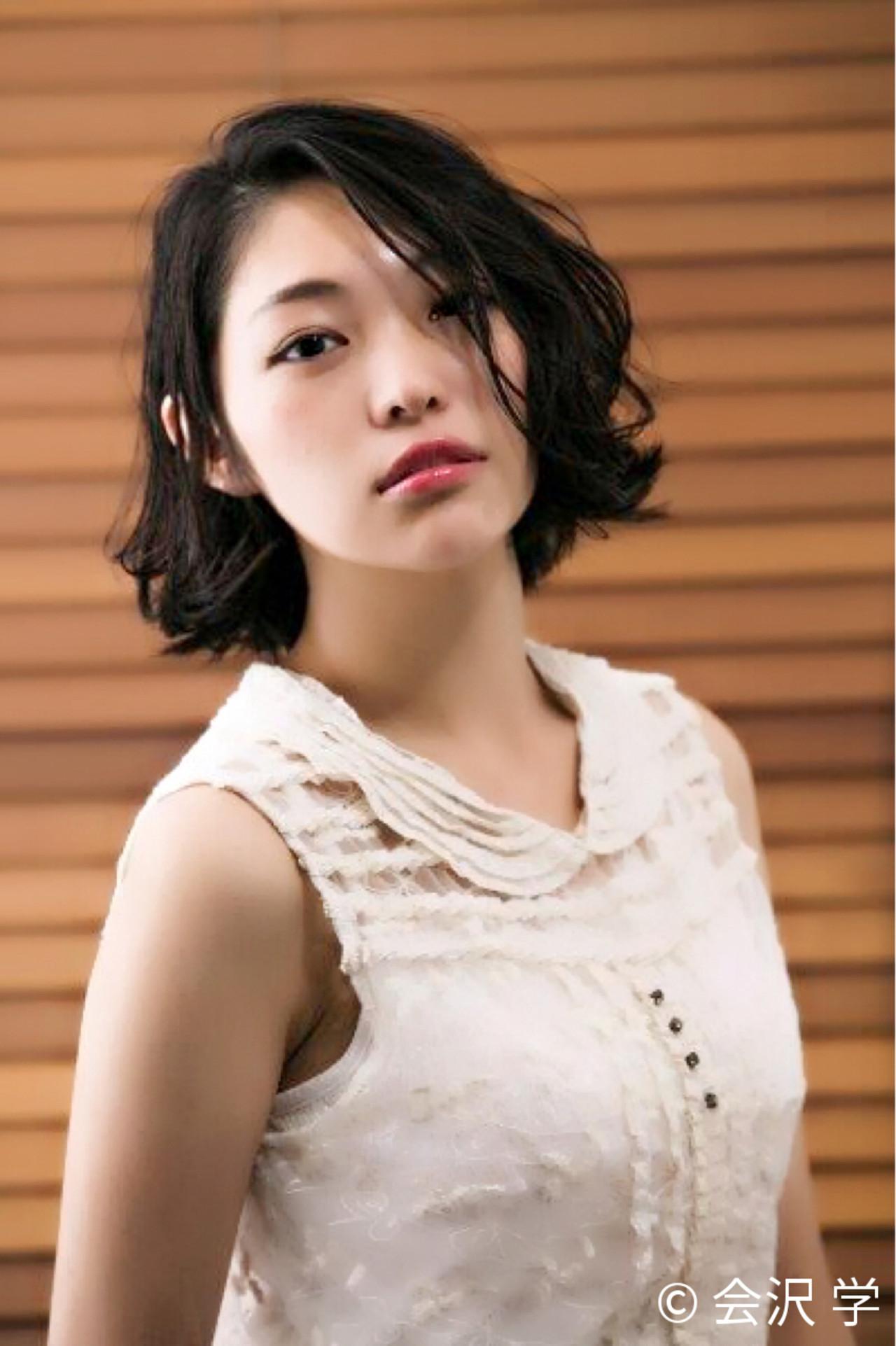 アンニュイ ゆるふわ 外ハネ 黒髪 ヘアスタイルや髪型の写真・画像