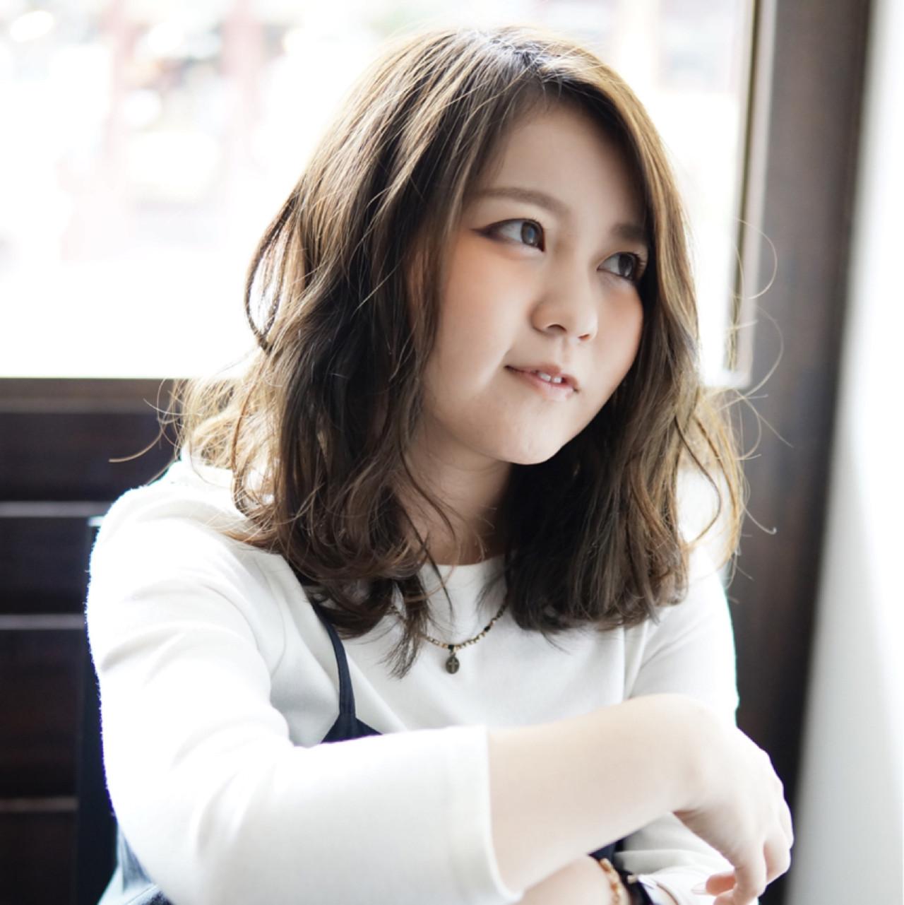 前髪なしのミディアムショートボブが新鮮! 堀井咲希
