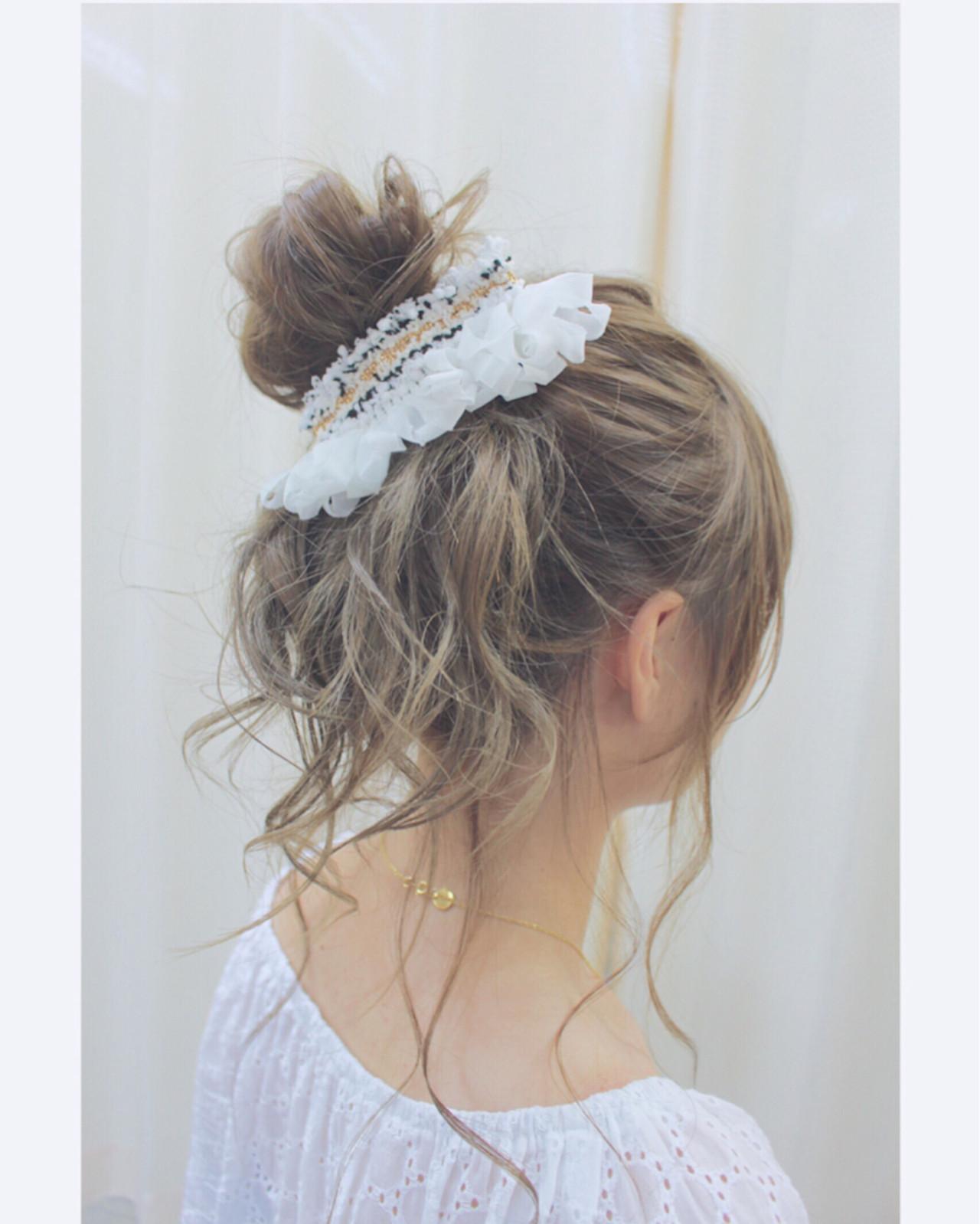 夏 ヘアアレンジ バレッタ お団子 ヘアスタイルや髪型の写真・画像