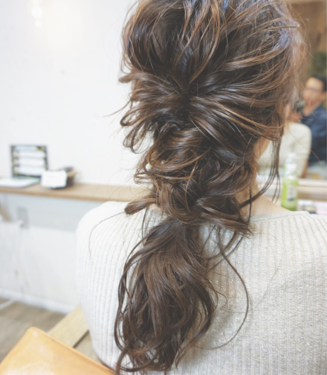 セミロング ヘアアレンジ ガーリー デート ヘアスタイルや髪型の写真・画像