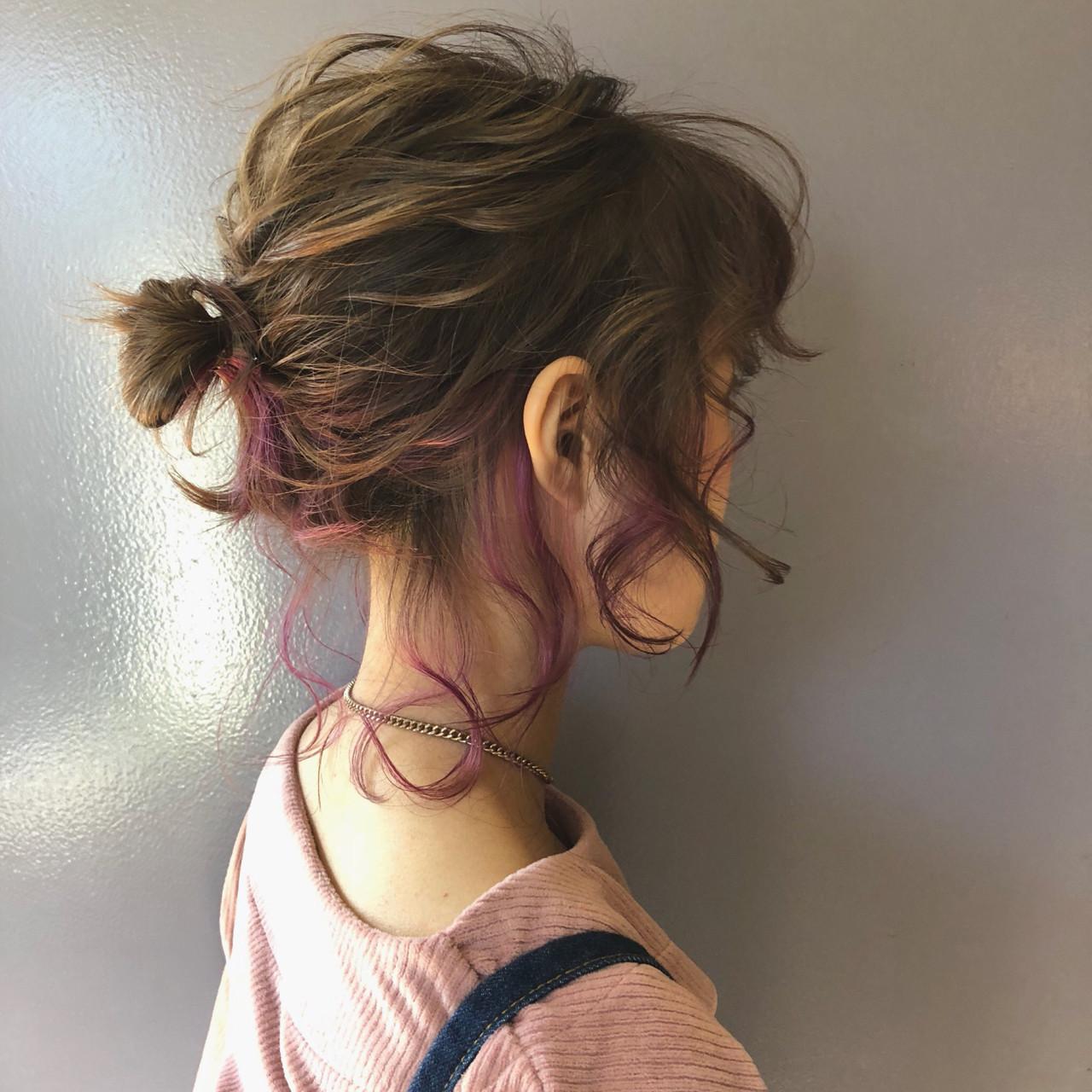 ダブルカラー ガーリー ヘアアレンジ お団子 ヘアスタイルや髪型の写真・画像