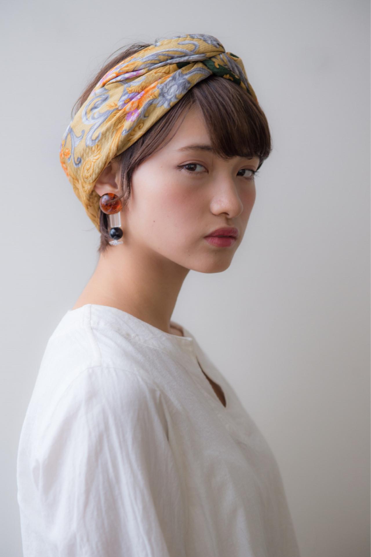 ヘアアクセ 小顔 暗髪 パーマ ヘアスタイルや髪型の写真・画像