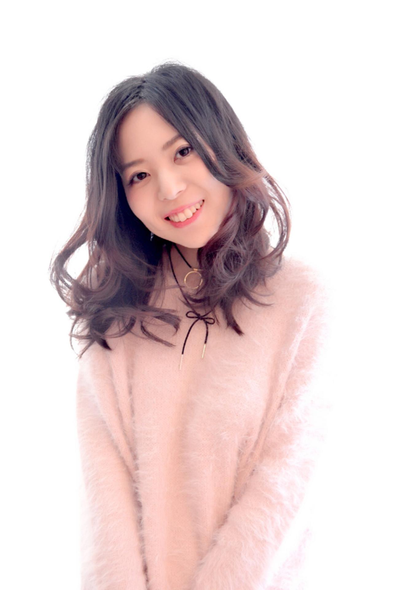 センター分け 小顔 ガーリー 大人女子 ヘアスタイルや髪型の写真・画像