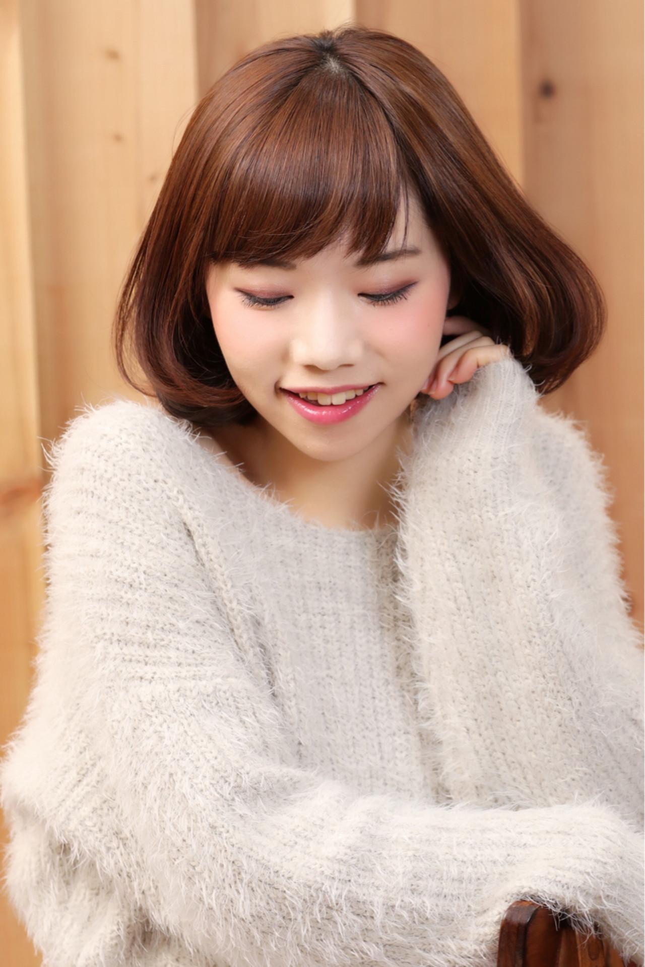 くすみ系ピンクカラーで女性らしさを強調 大嶋 理紗