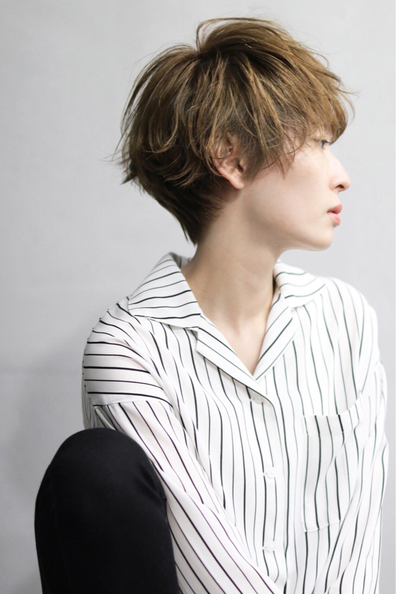 色っぽさを感じるマッシュショートヘアは女性らしさ◎ 伊藤修久