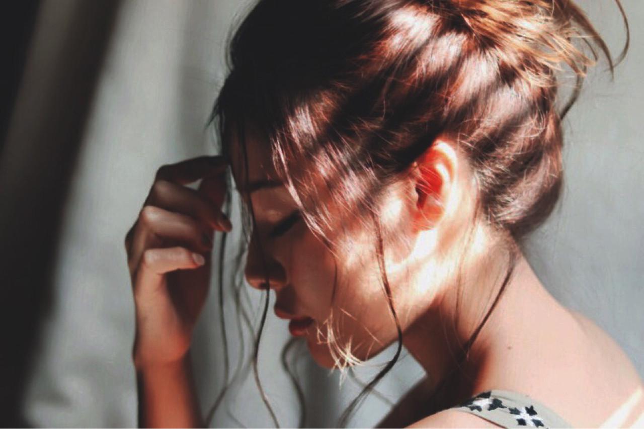デート ミディアム ガーリー ハーフアップ ヘアスタイルや髪型の写真・画像