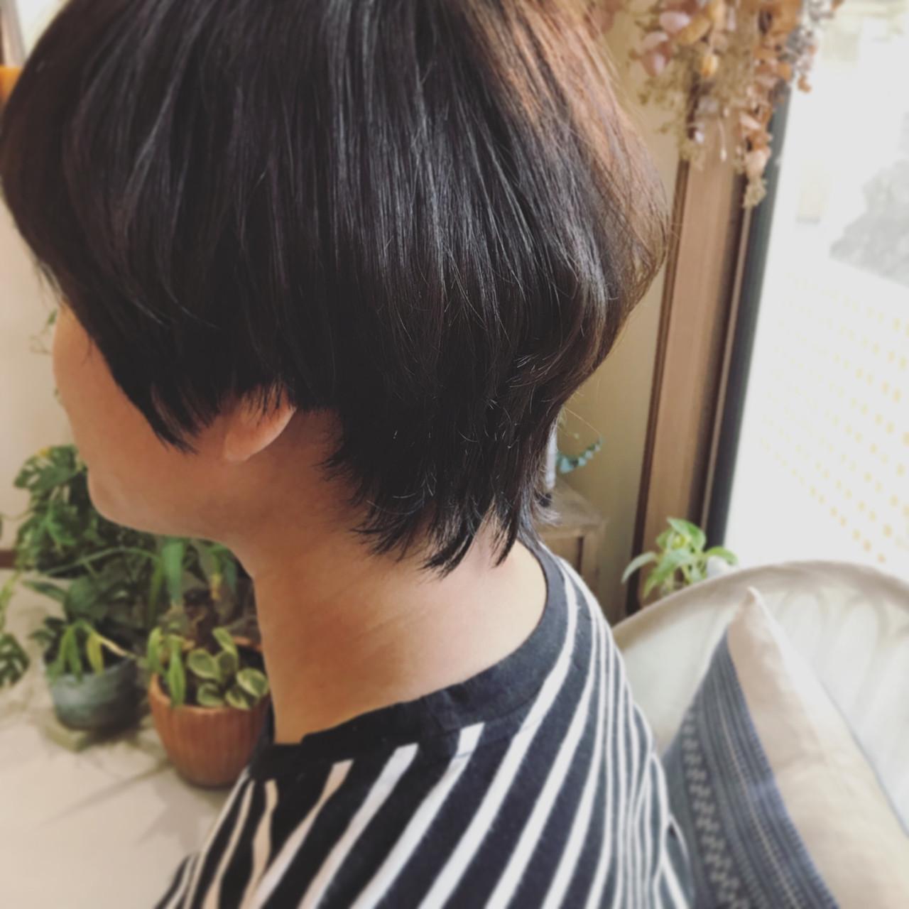 清潔感漂うストレート黒髪マッシュウルフ TOMOKO KUDO | IKKA