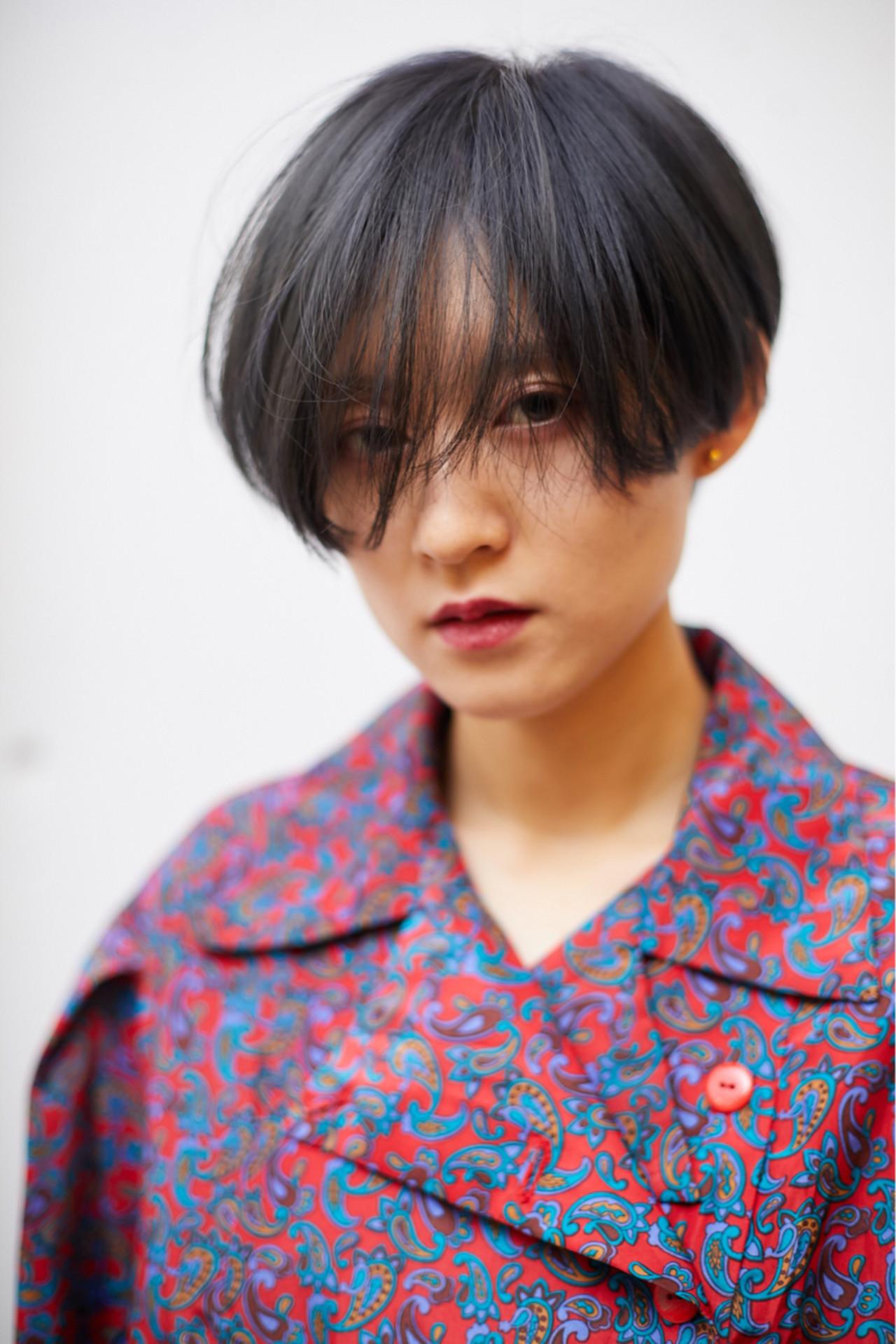 ミステリアスな雰囲気の黒髪マッシュウルフ 木下大輔 | amanda