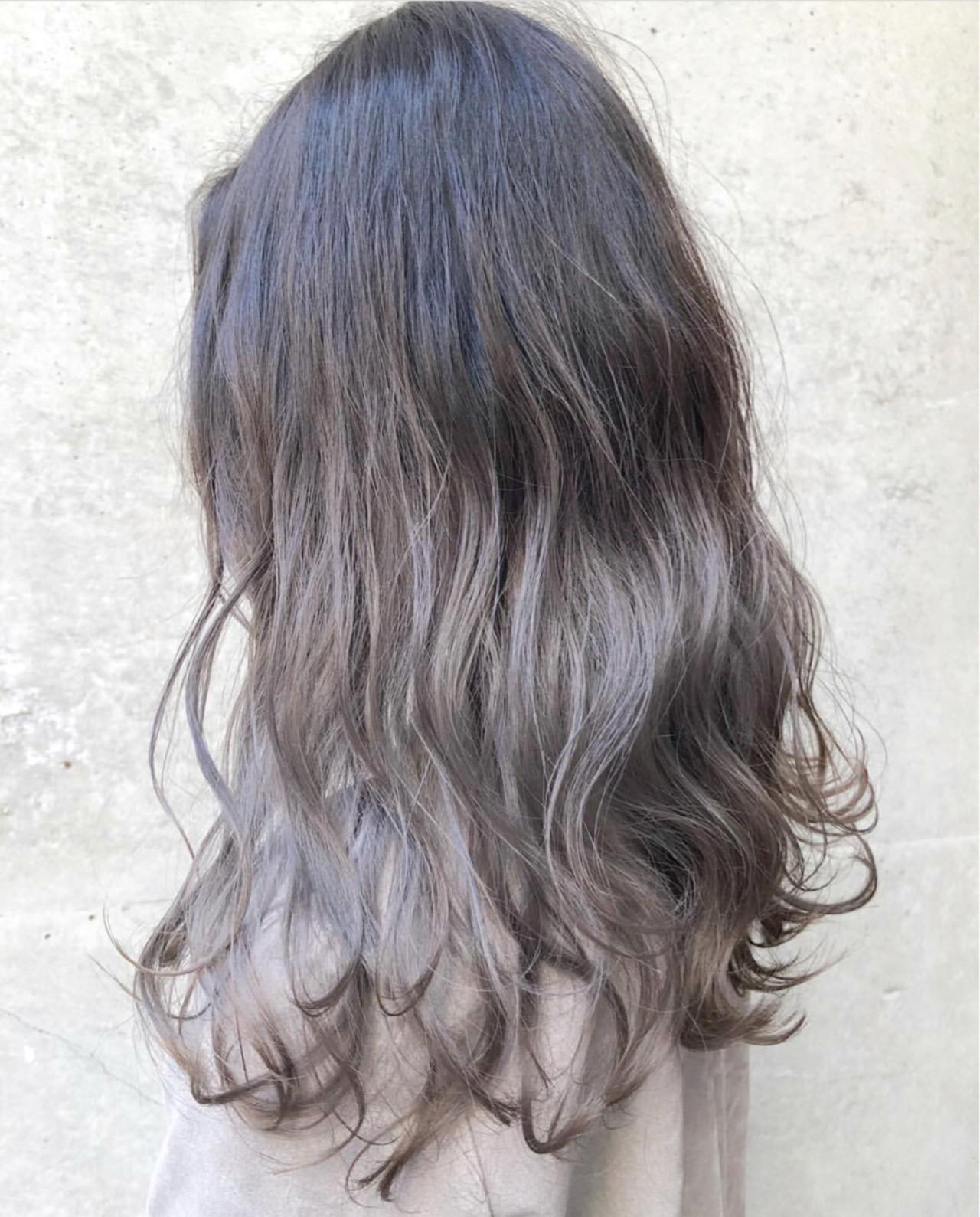 外国人風カラー ロング グレージュ バレイヤージュ ヘアスタイルや髪型の写真・画像