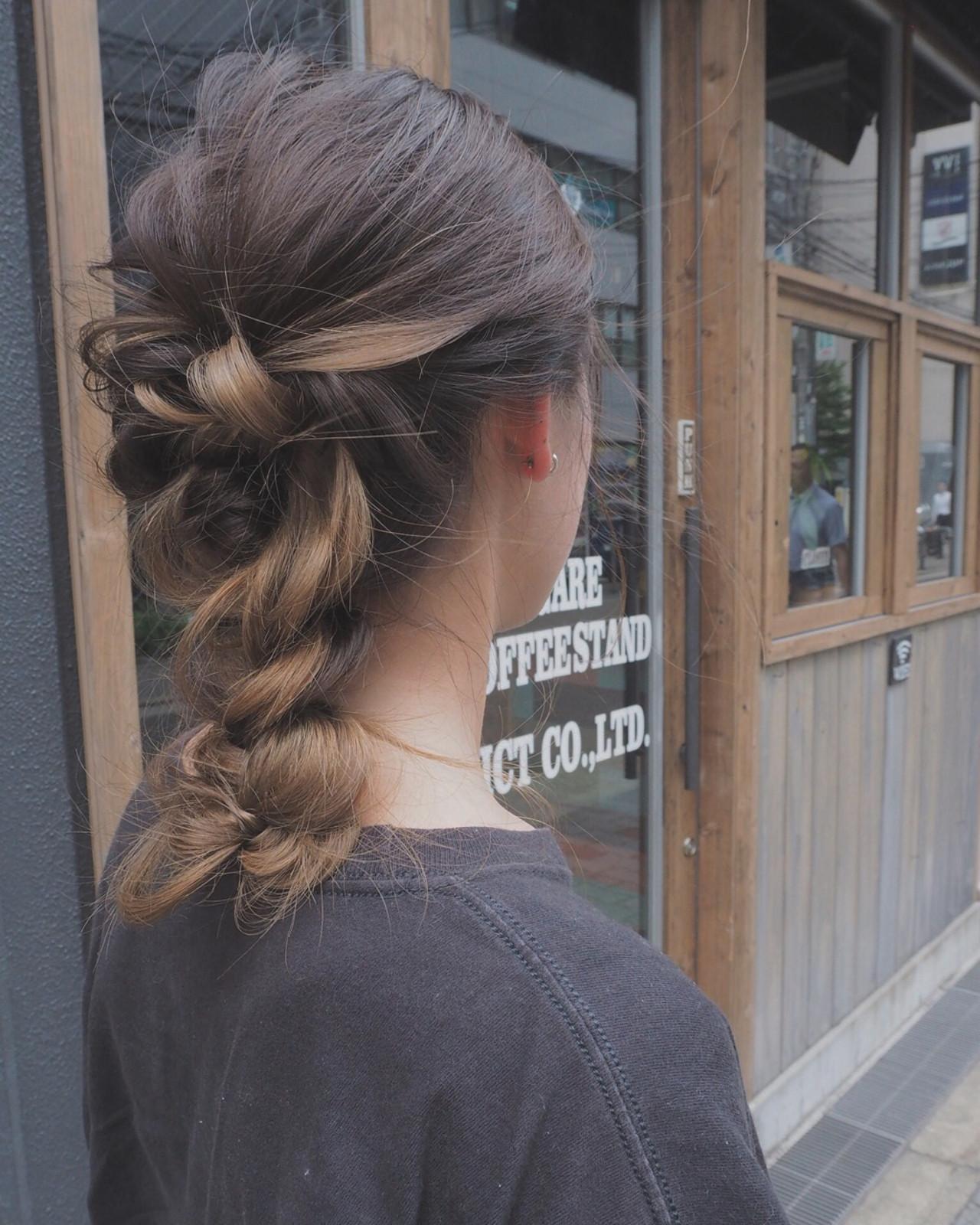 ミディアムヘアの編み込みヘアアレンジ 宮迫 真美