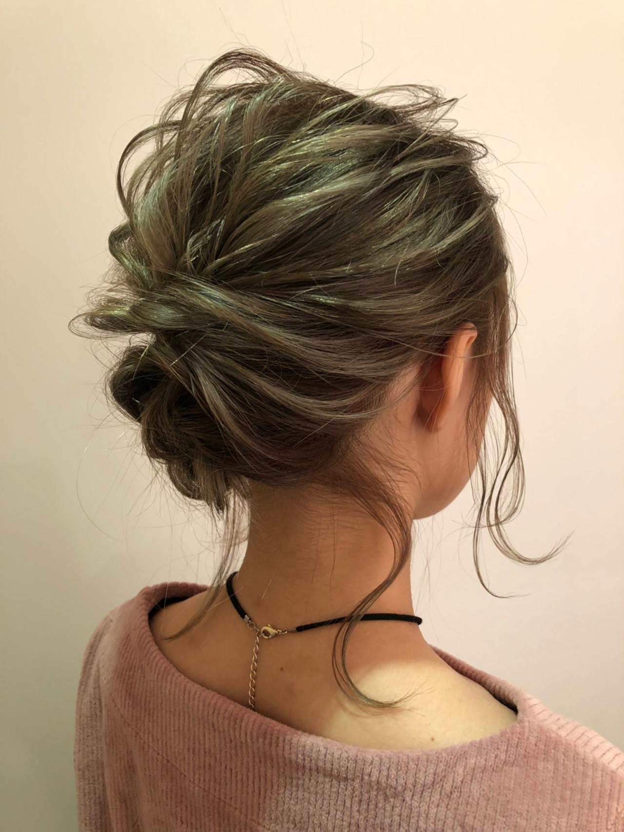 ミディアムヘアの無造作まとめ髪ヘアアレンジ 北里和哉