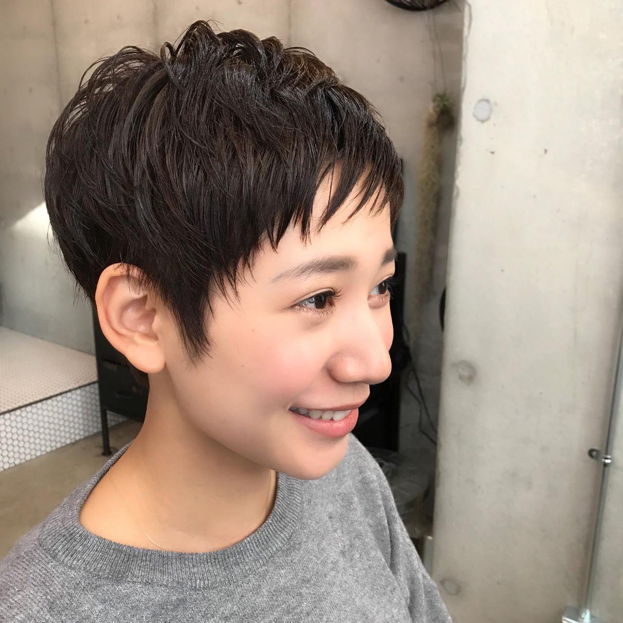ウェットで女性らしいベリーショート Shinya_abiru