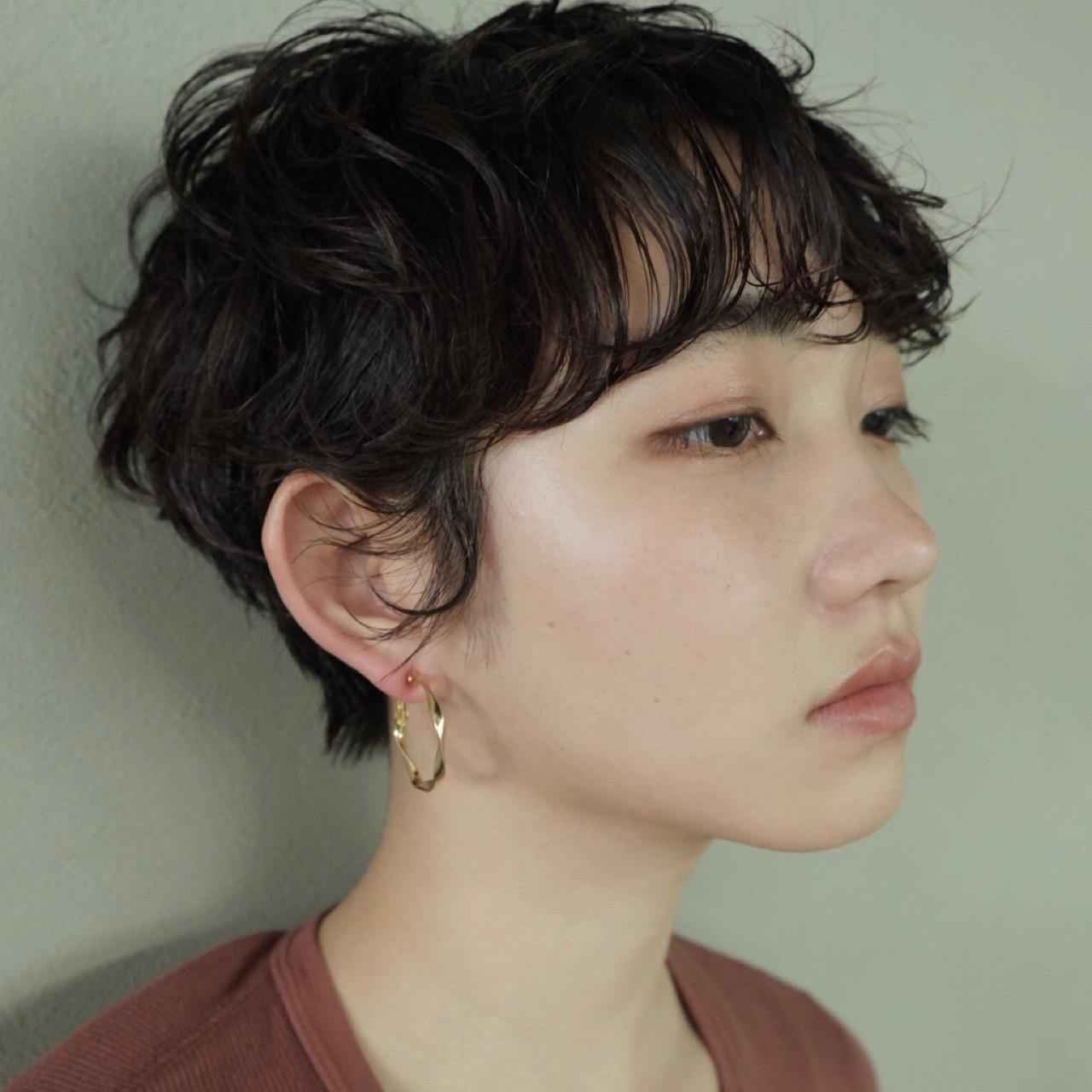 パーマ 前髪あり くせ毛風 ベリーショート ヘアスタイルや髪型の写真・画像