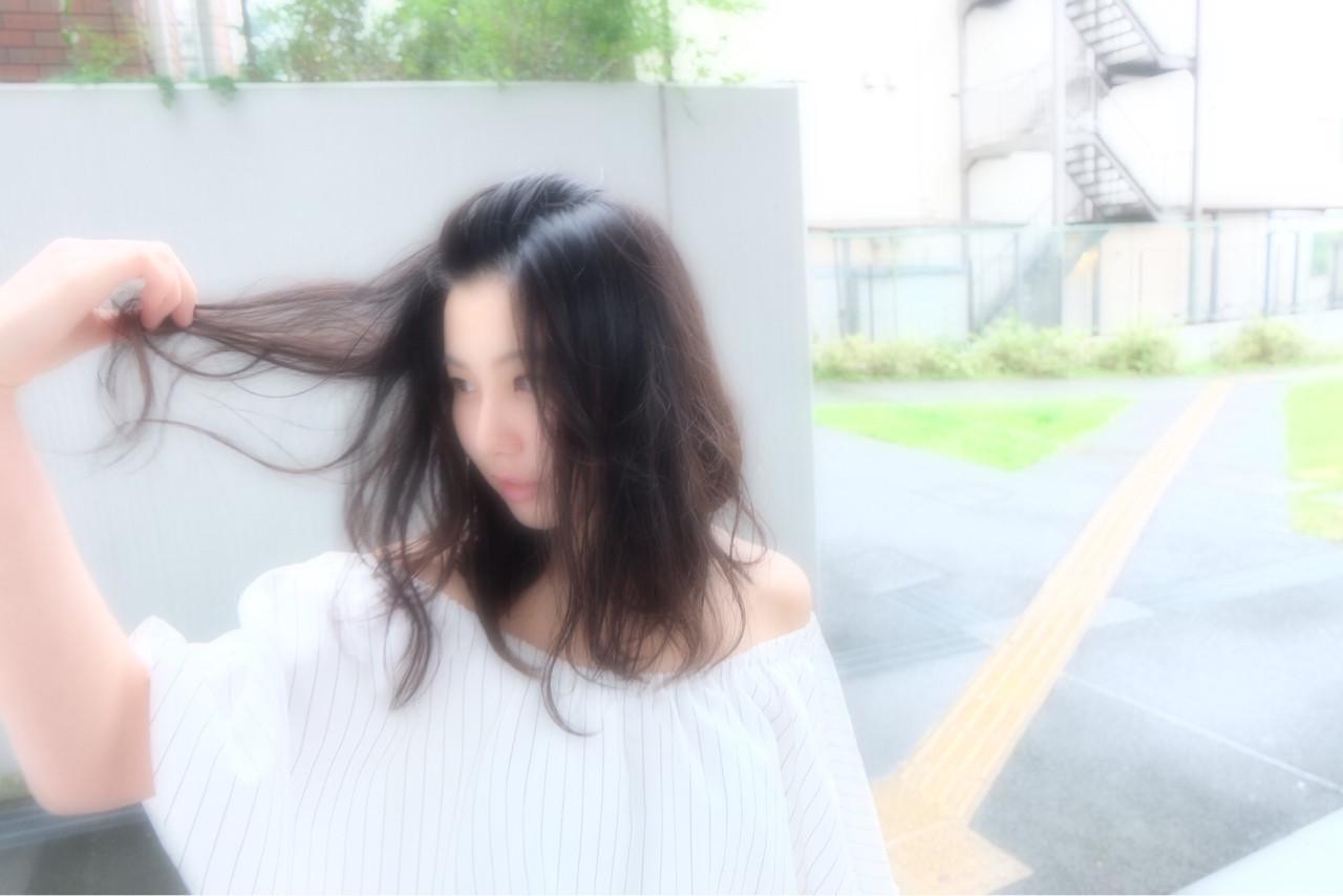 前髪を上げてポンパにすれば海辺でもおしゃれ♪ naka kazuki