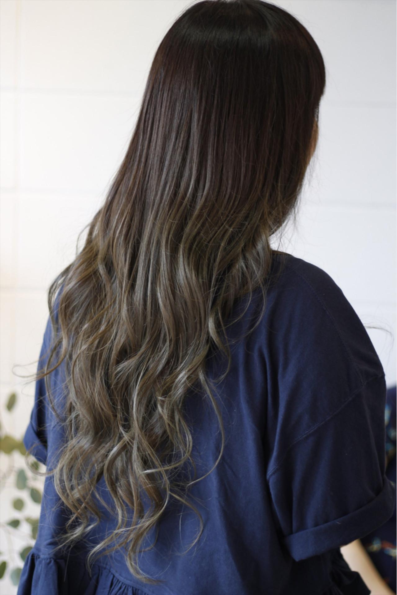 外国人風 ハイトーン バレイヤージュ ロング ヘアスタイルや髪型の写真・画像