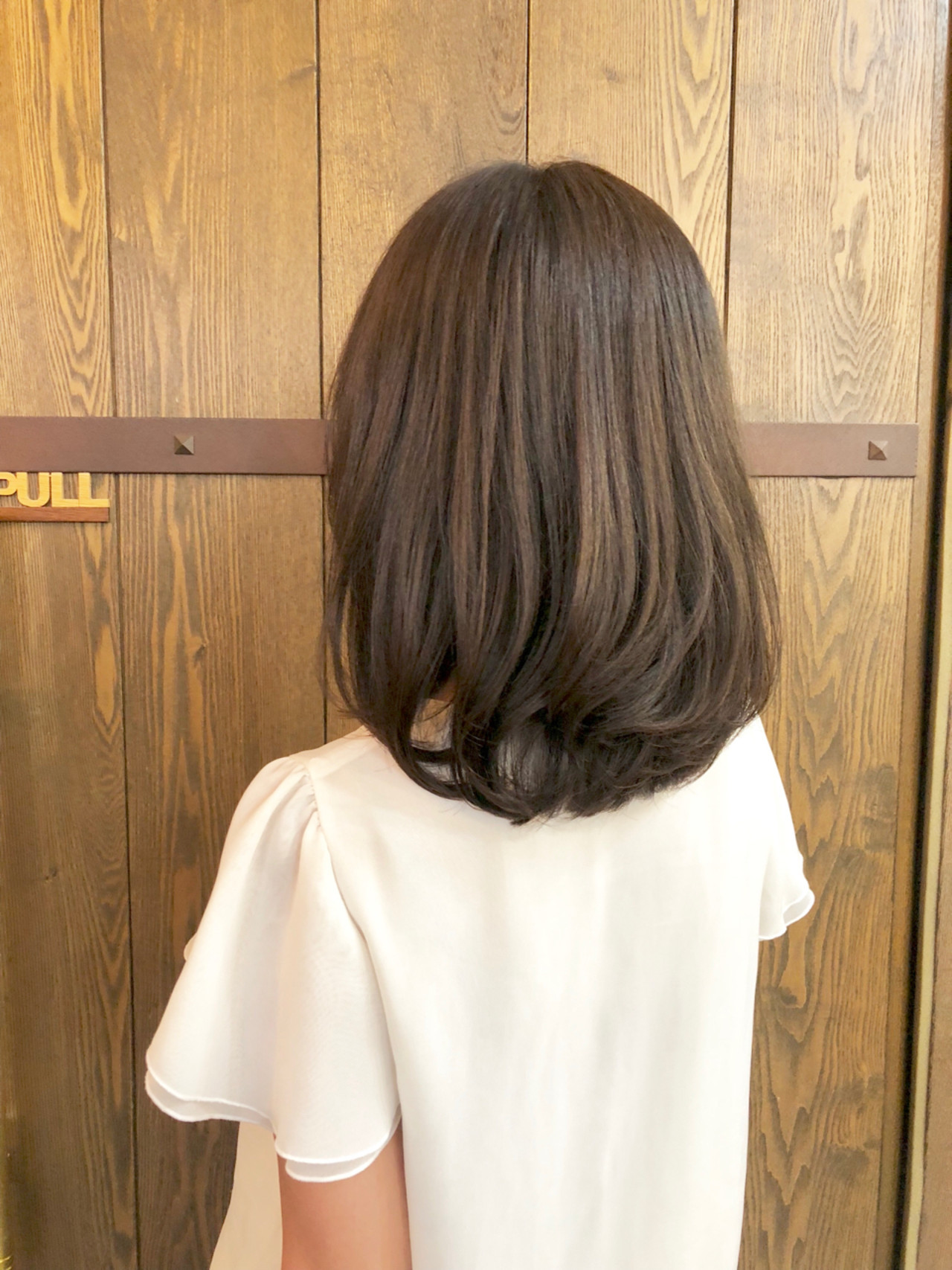 アッシュ アッシュグレー ミディアム 大人女子 ヘアスタイルや髪型の写真・画像