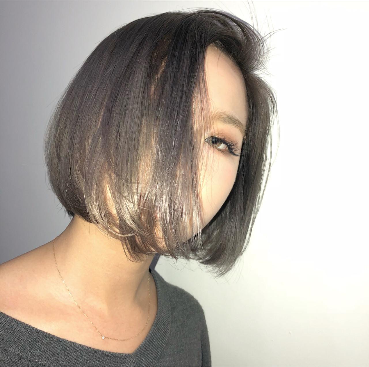 グレージュ アッシュ ストリート アッシュグレー ヘアスタイルや髪型の写真・画像