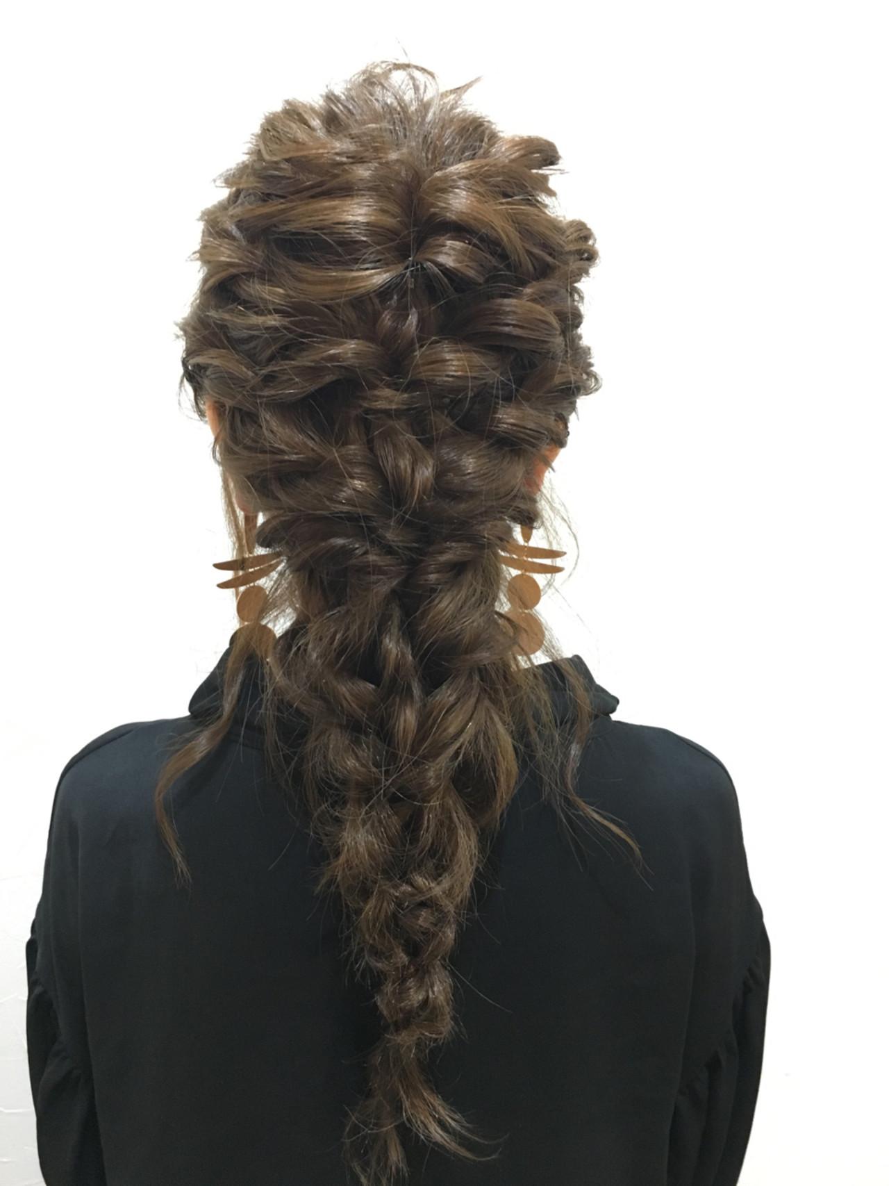 ロング ヘアアレンジ 編み込み 謝恩会 ヘアスタイルや髪型の写真・画像