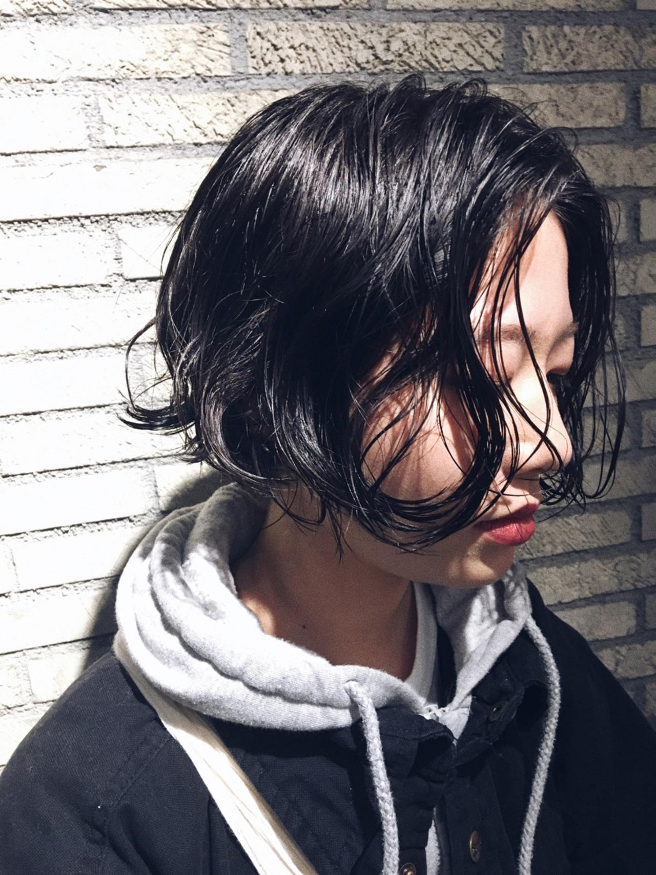 ゆるウェーブで抜け感黒髪マッシュショート 服部 光 | nidodemenos