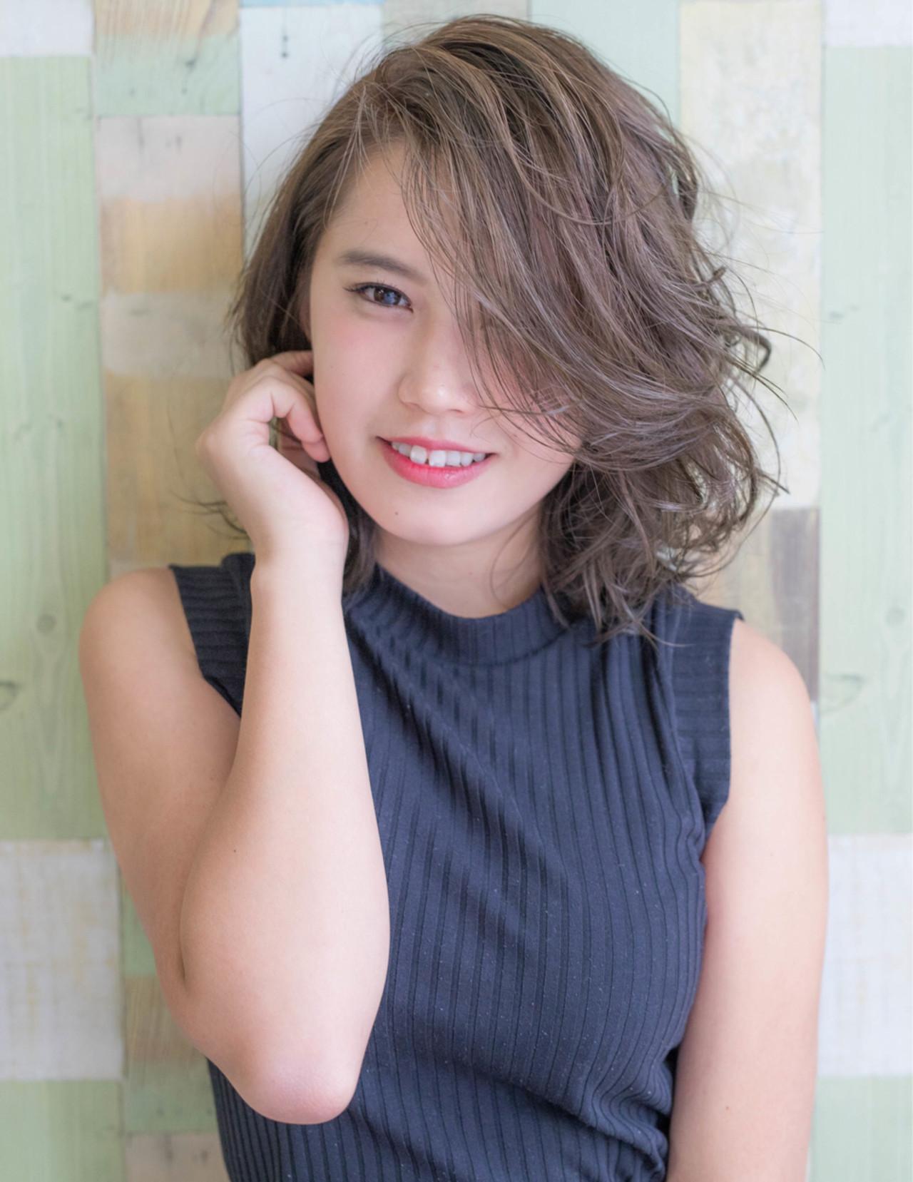 秋 ミディアム フェミニン 大人女子 ヘアスタイルや髪型の写真・画像