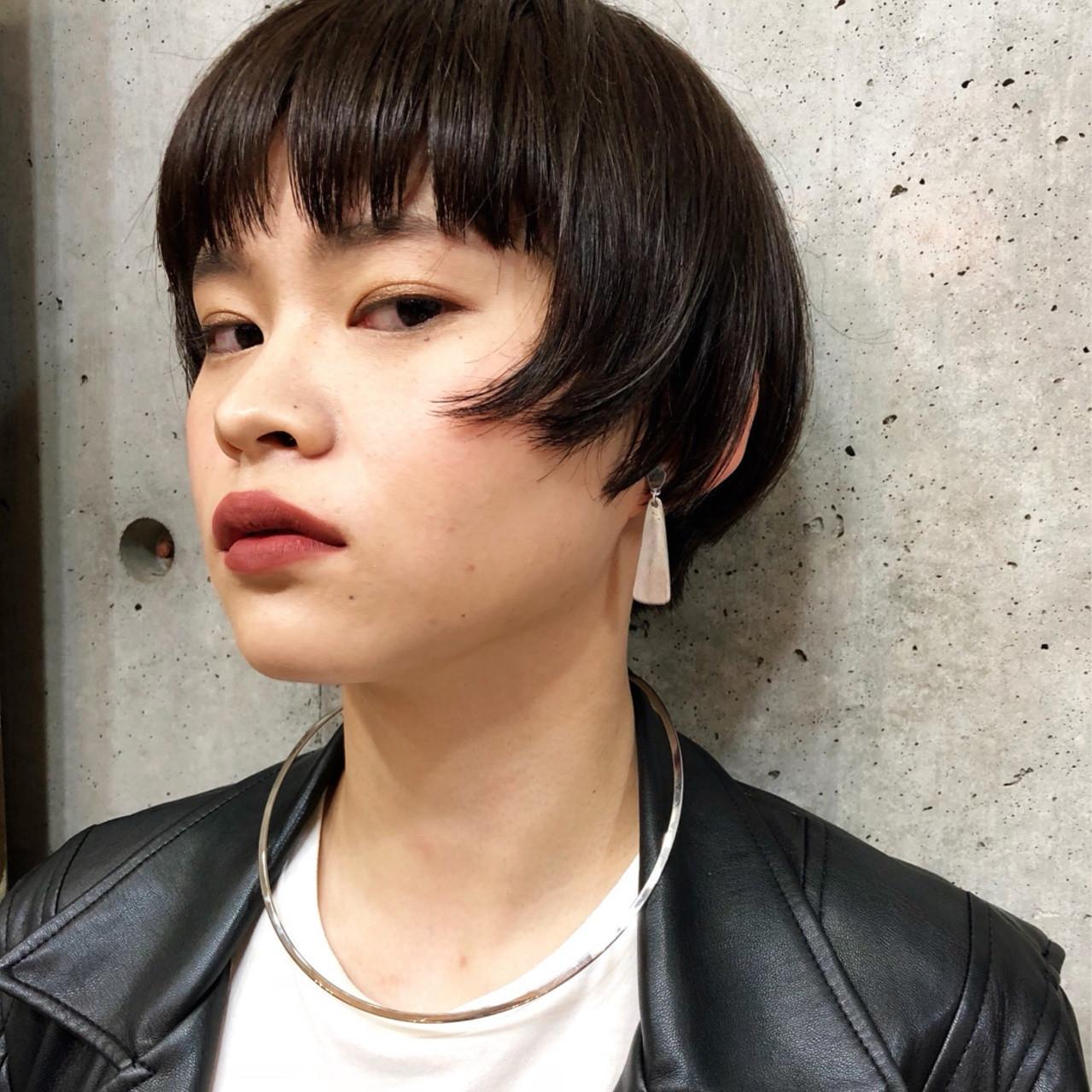「黒髪マッシュヘア」で大人の色気を放出♡ボーイッシュだけど女性らしい!