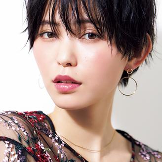 【VOCE7月号 Topics1】『サラリ肌×光メイク』のオシャレな関係