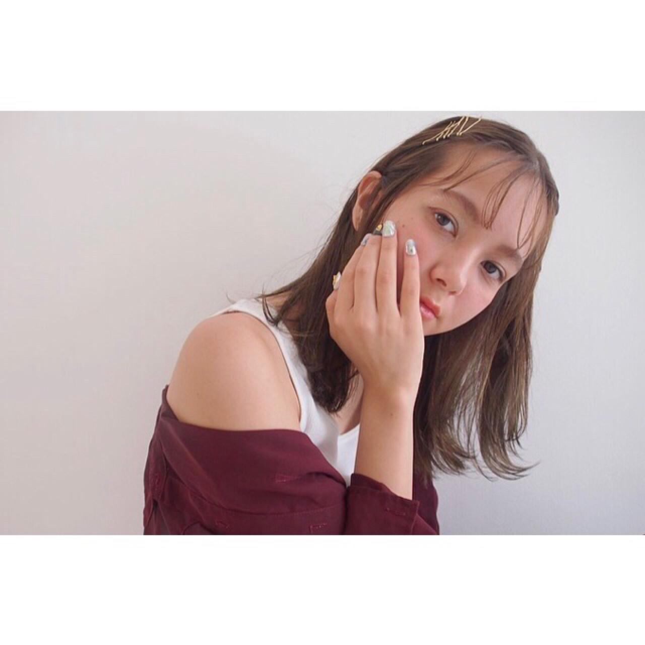 ゴールドピンでつくるチョピベンバング Rie Akita | LOAVE omotesando