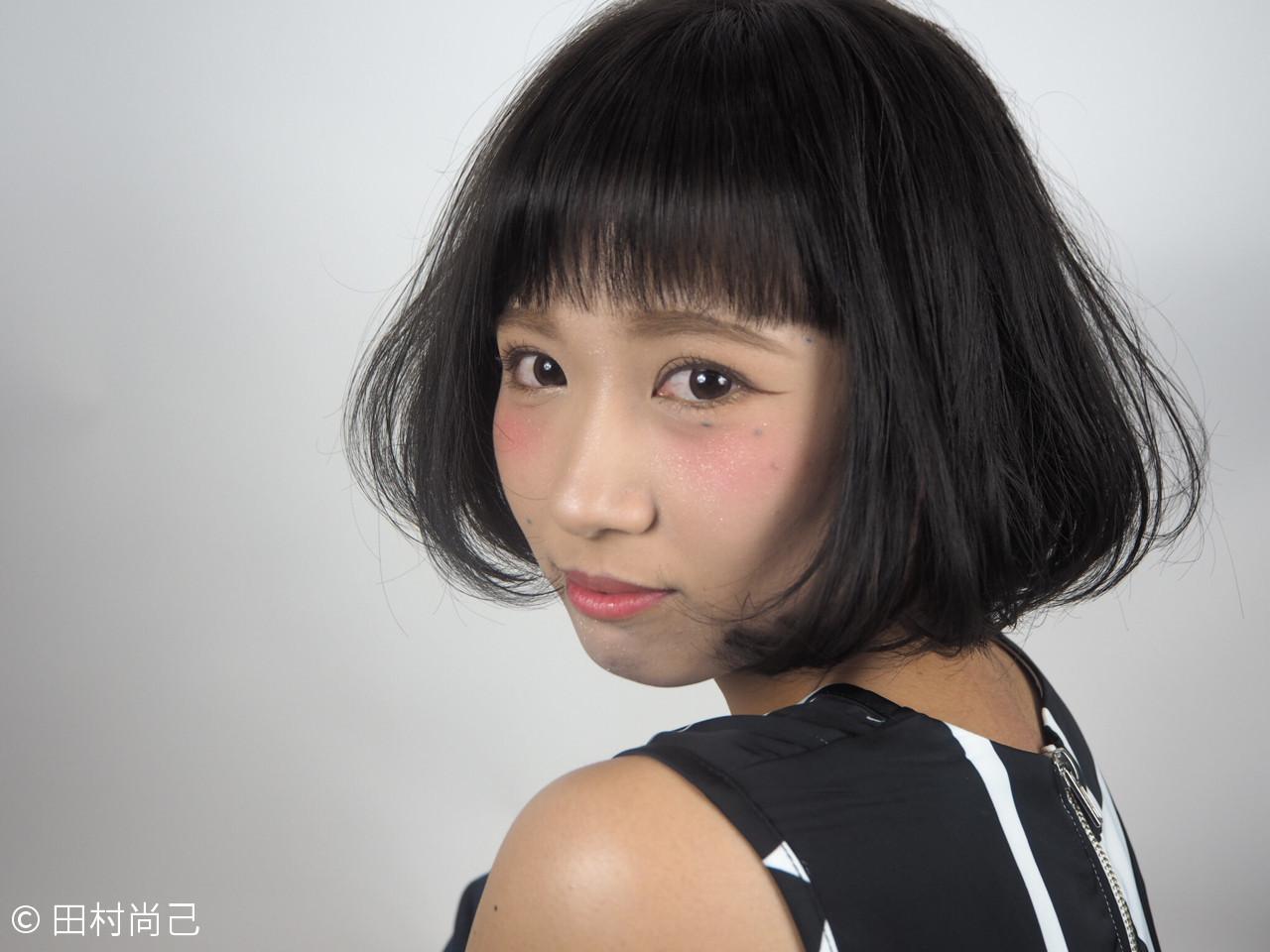 ショートバング×黒髪でふんわりキュートヘアに Naoki Tamura