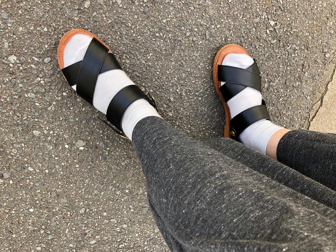 ぺたんこサンダル×靴下コーデは要注意! pipi_yukapi