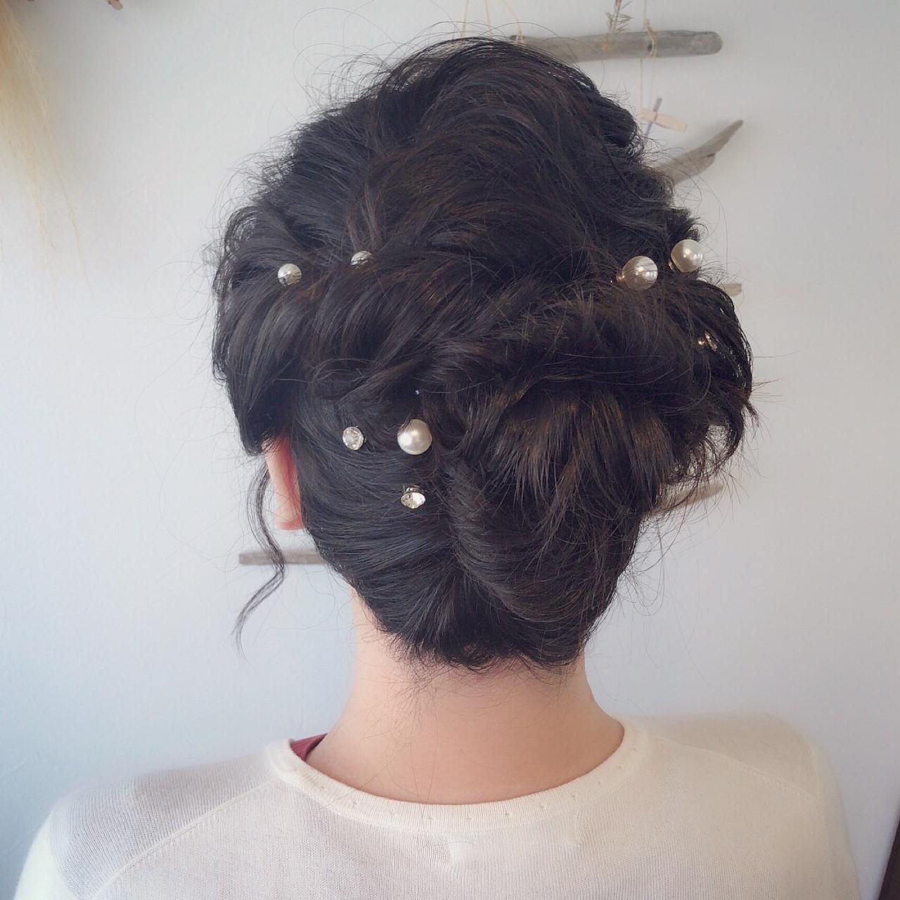 編み込みヘアに髪飾りを散らしてガーリーに 平野ちなみ