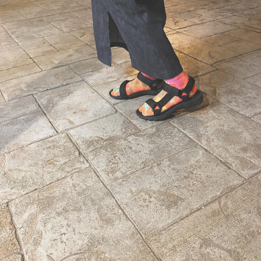 ラフなサンダルとガーリーな靴下相性バツグン♪ pipi_yukapi