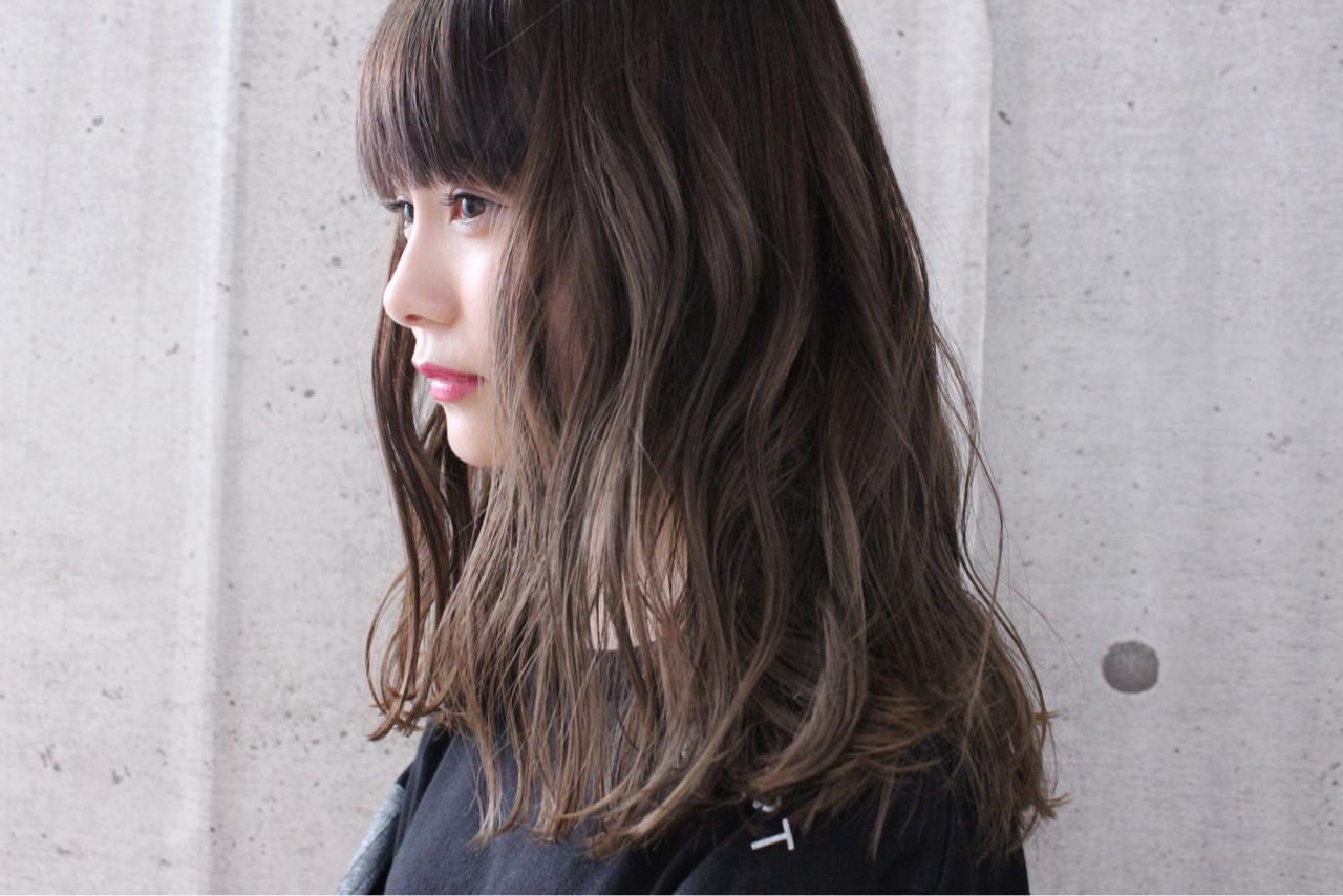 ヘアアレンジ 外国人風 グレージュ 透明感 ヘアスタイルや髪型の写真・画像