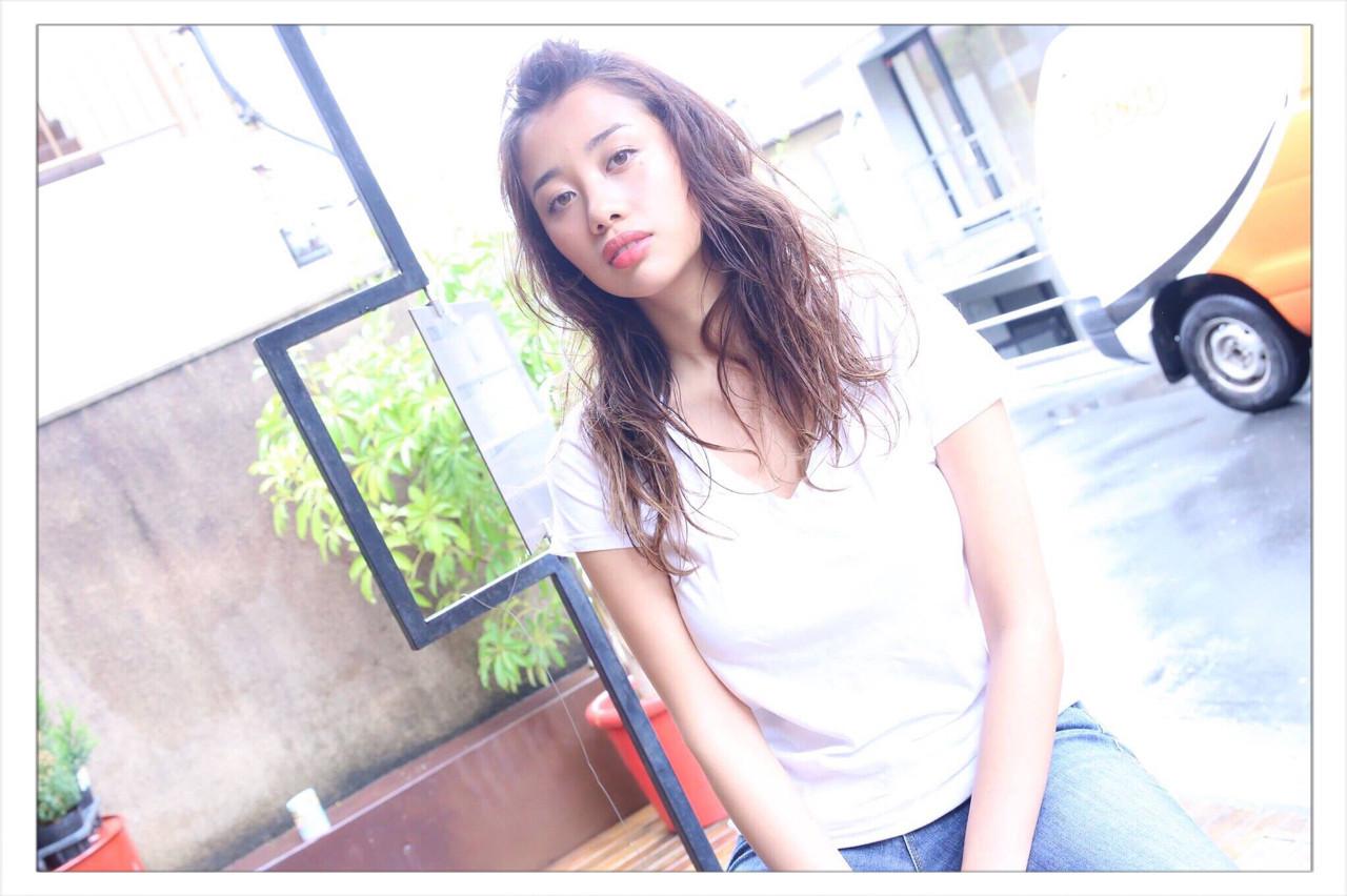 ポンパドール 大人女子 簡単ヘアアレンジ ロング ヘアスタイルや髪型の写真・画像