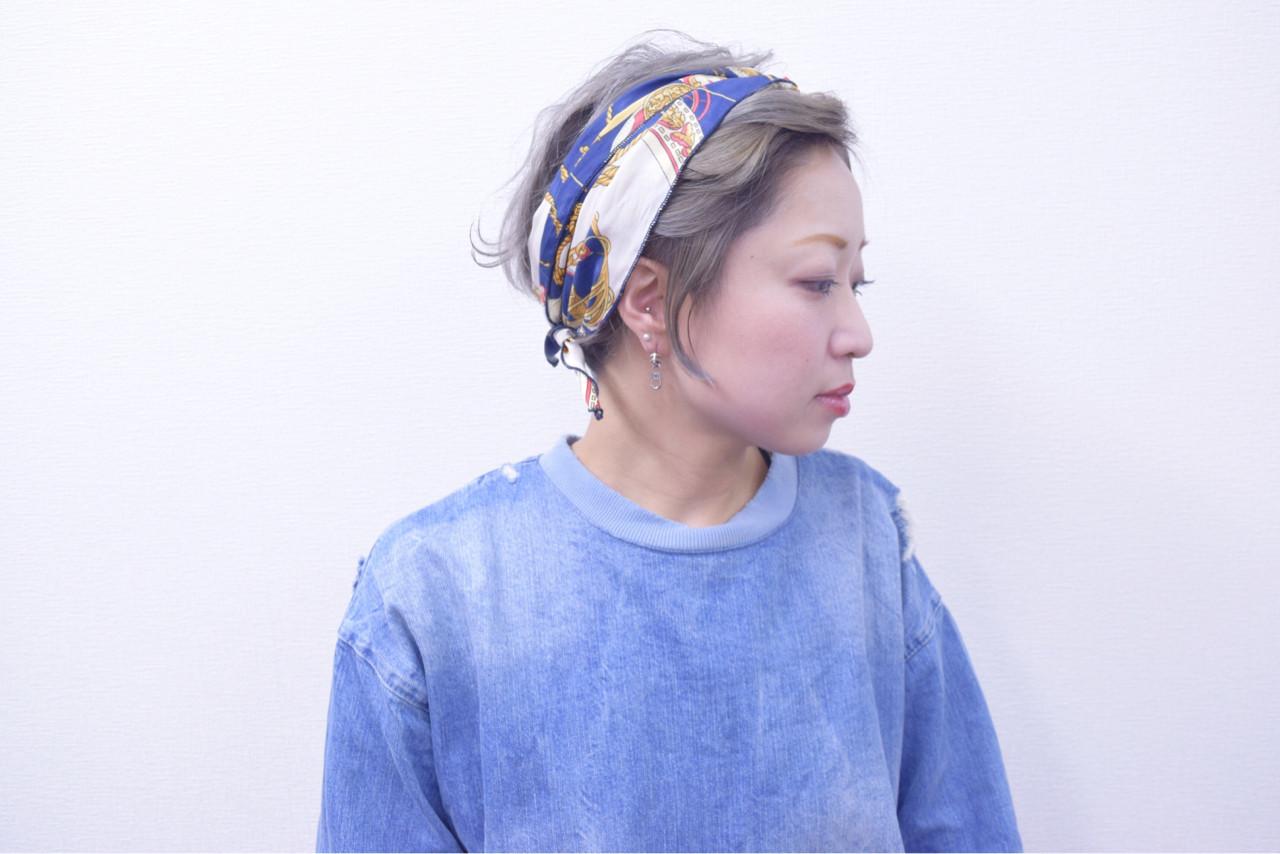 簡単ヘアアレンジ ショート ヘアアクセ アッシュ ヘアスタイルや髪型の写真・画像