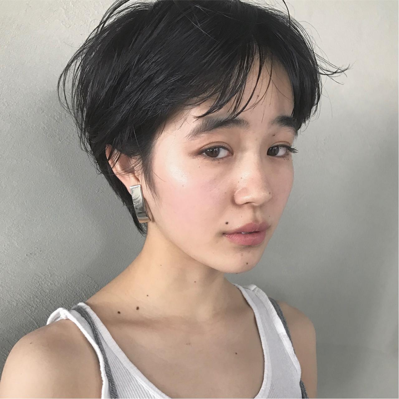 グレーアッシュ ナチュラル ショート マッシュ ヘアスタイルや髪型の写真・画像