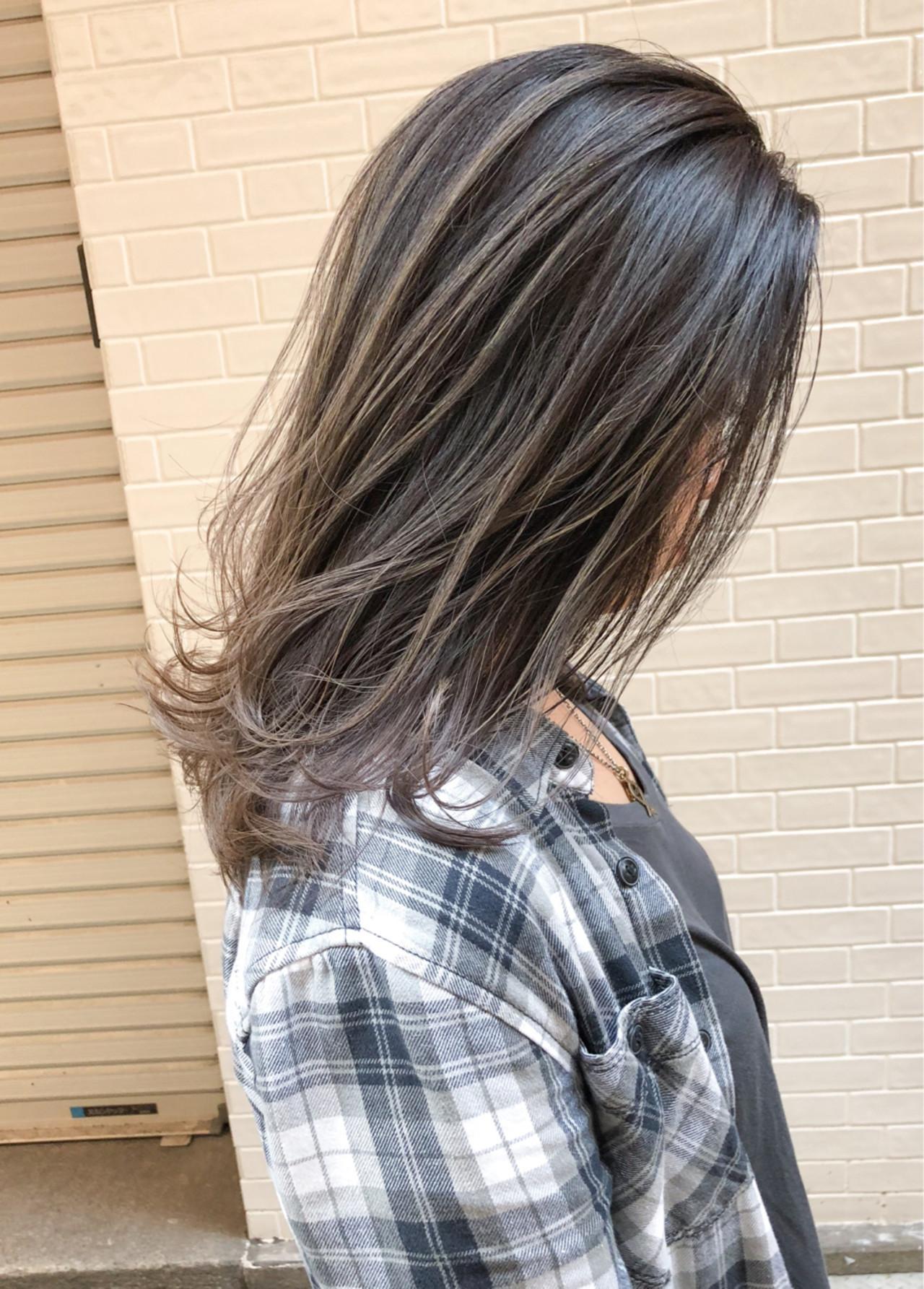 ミディアム 3Dカラー 外国人風 エレガント ヘアスタイルや髪型の写真・画像