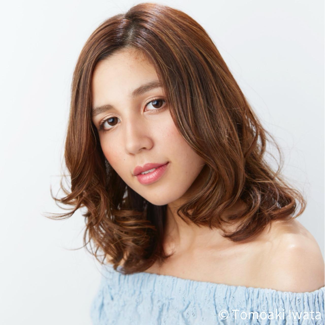 巻き髪 デート パーマ フェミニン ヘアスタイルや髪型の写真・画像