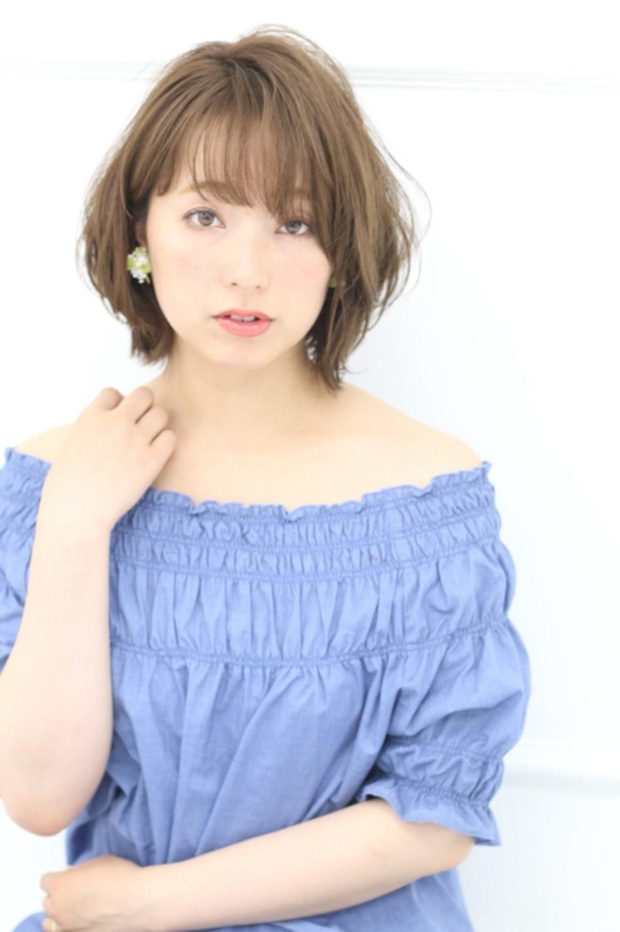 レイヤーカット アッシュ モテ髪 ナチュラル ヘアスタイルや髪型の写真・画像