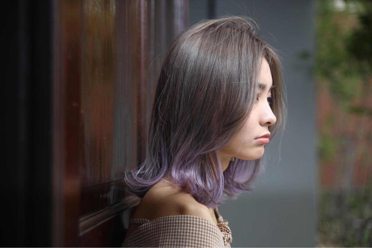 ミディアム パープル フェミニン アッシュ ヘアスタイルや髪型の写真・画像