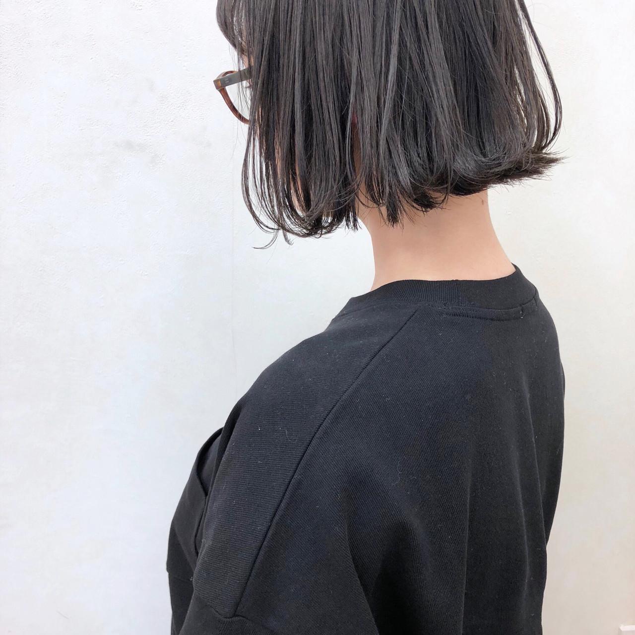 切りっぱなし 黒髪 前下がり 外ハネ ヘアスタイルや髪型の写真・画像