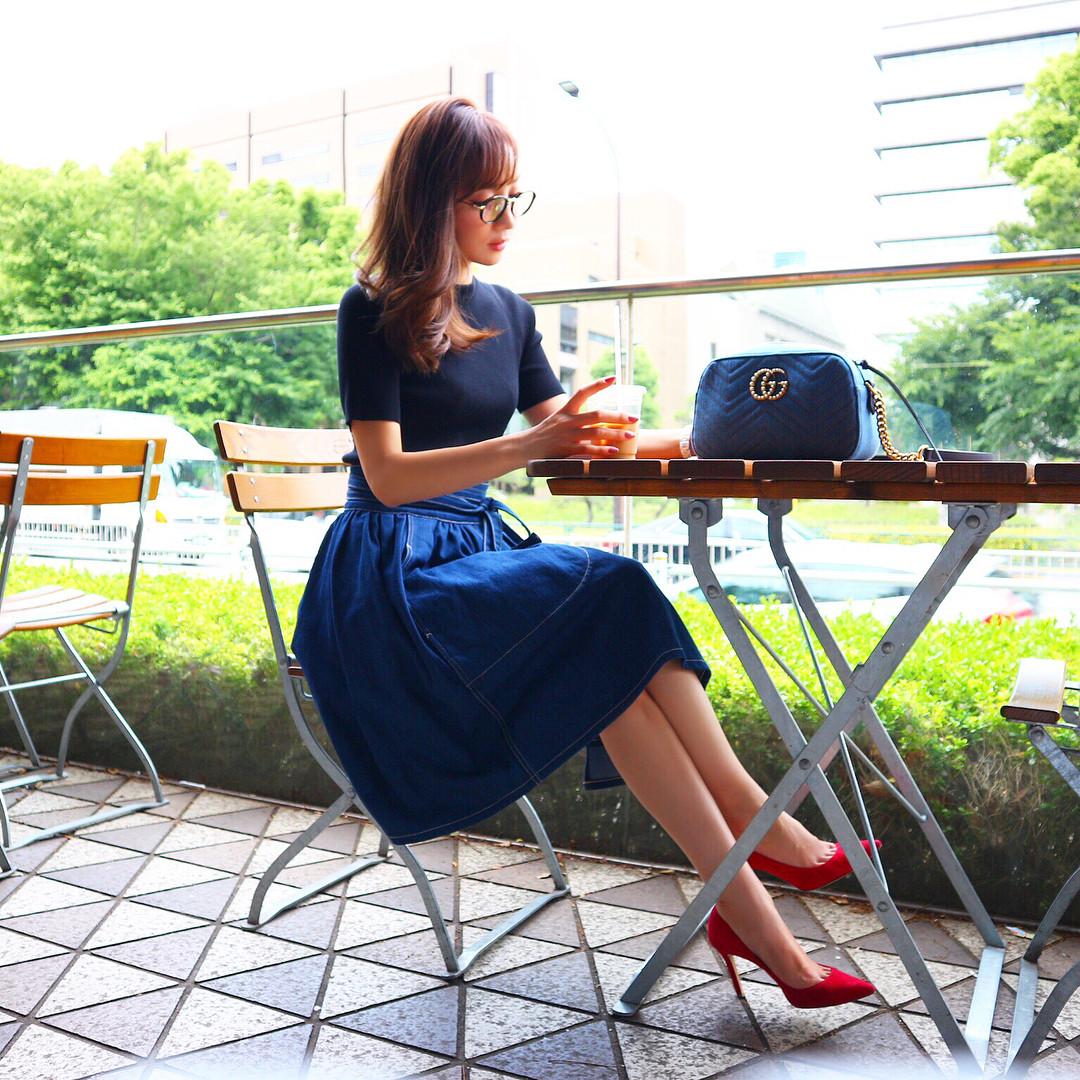 すてきスカート×女性っぽいパンプス ayumi_okabe