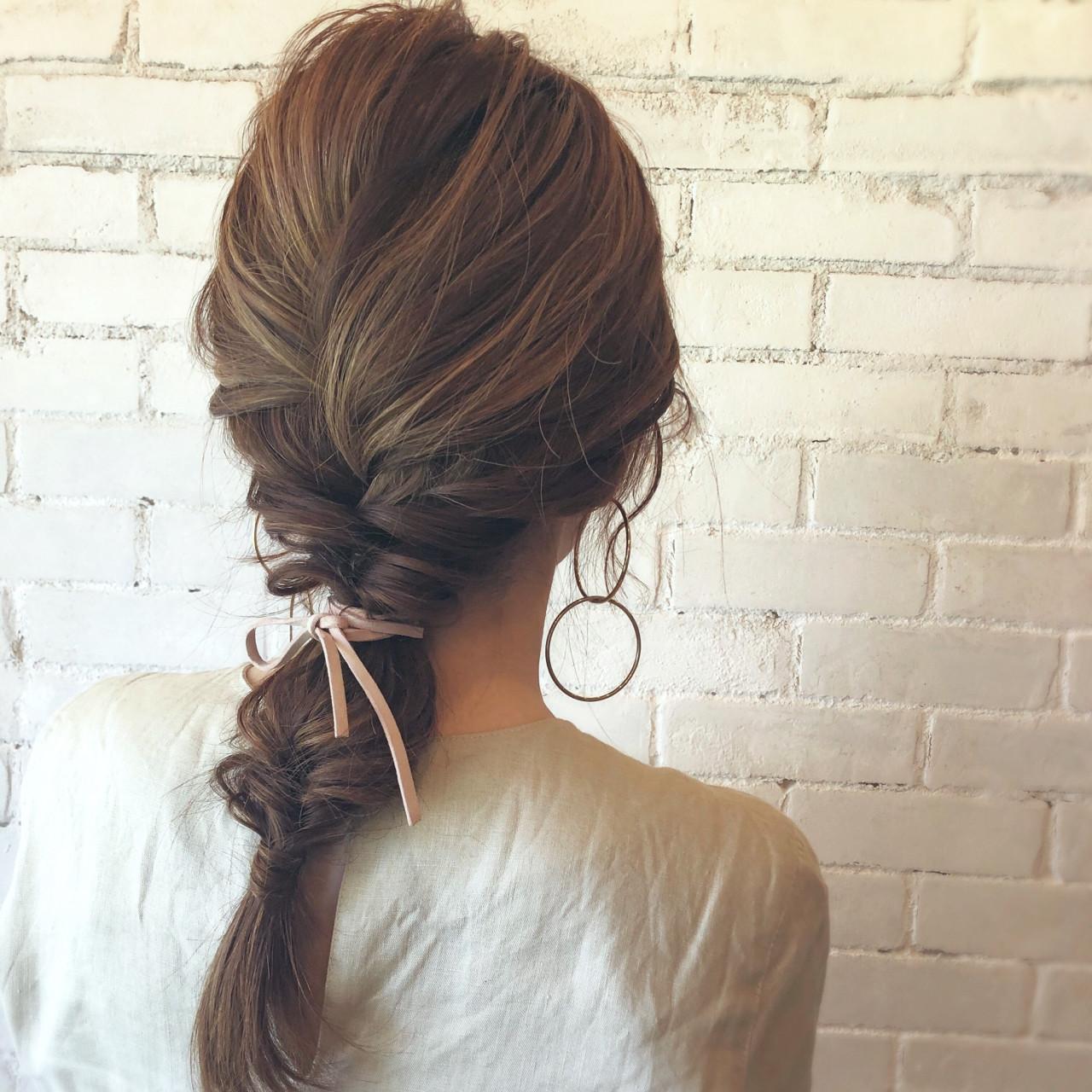 セミロング 簡単ヘアアレンジ ナチュラル 編み込み ヘアスタイルや髪型の写真・画像