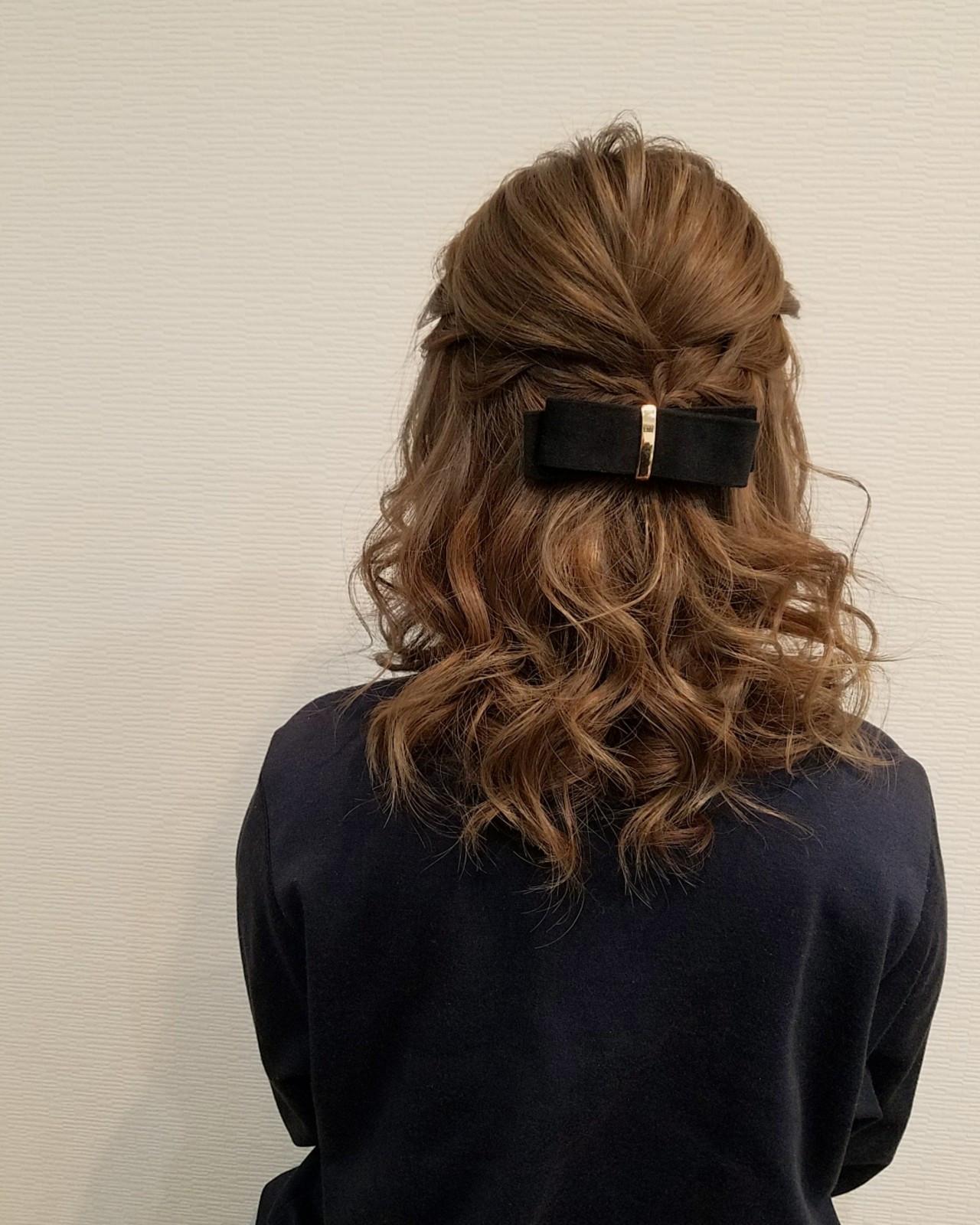 編み込み フェミニン ミディアム ハーフアップ ヘアスタイルや髪型の写真・画像