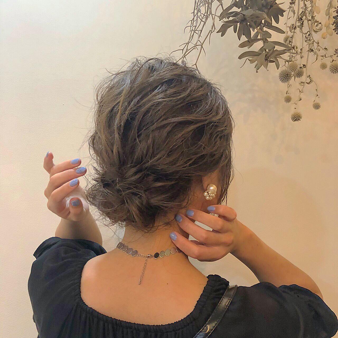 結婚式 グレージュ ボブ ヘアアレンジ ヘアスタイルや髪型の写真・画像