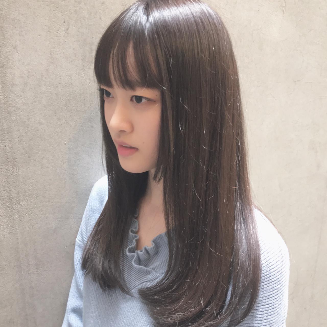 フェミニン イルミナカラー 縮毛矯正 オフィス ヘアスタイルや髪型の写真・画像