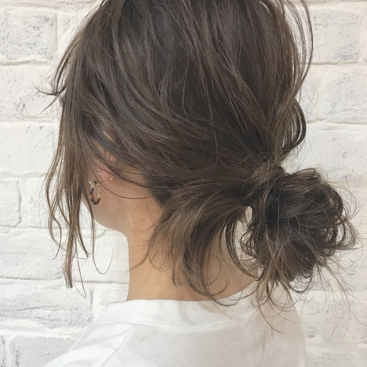 愛され セミロング お団子 コンサバ ヘアスタイルや髪型の写真・画像